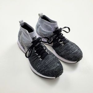 Nike All Out Pegasus Knit Zoom Mid Running Sneaker